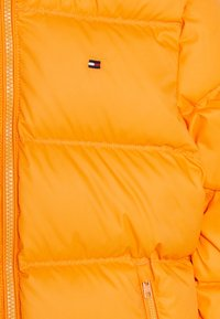 Tommy Hilfiger - ESSENTIAL  - Gewatteerde jas - orange - 3
