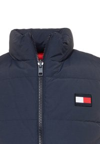 Tommy Hilfiger - COLORBLOCK REVERSIBLE VEST - Smanicato - blue - 3