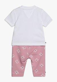 Tommy Hilfiger - BABY PRINTED SET - Legging - pink - 1