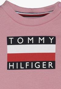 Tommy Hilfiger - BABY TRACKSUIT SET - Trainingspak - pink - 6