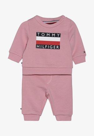 BABY TRACKSUIT SET - Survêtement - pink