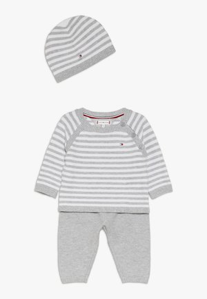 BABY STRIPE GIFTBOX - Babygaver - grey