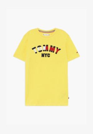 GRAPHIC  - T-shirt print - yellow