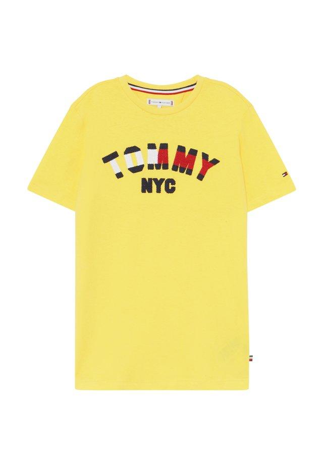 GRAPHIC  - Print T-shirt - yellow