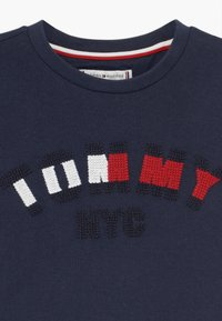 Tommy Hilfiger - GRAPHIC  - Print T-shirt - blue