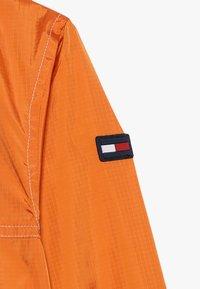 Tommy Hilfiger - POP OVER - Lehká bunda - orange - 5