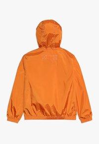 Tommy Hilfiger - POP OVER - Lehká bunda - orange - 1