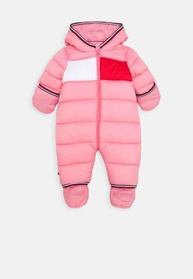 BABY FLAG SKISUIT - Snowsuit - pink
