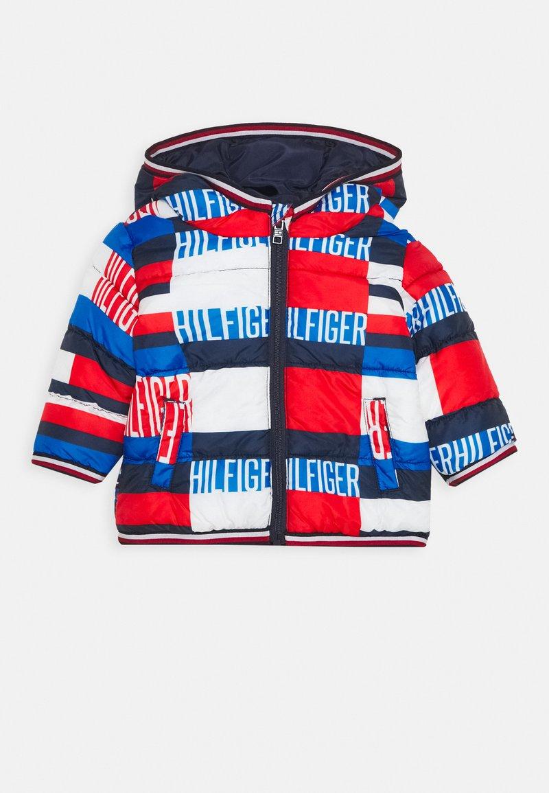 Tommy Hilfiger - BABY PRINTED PUFFER JACKET - Winterjas - blue