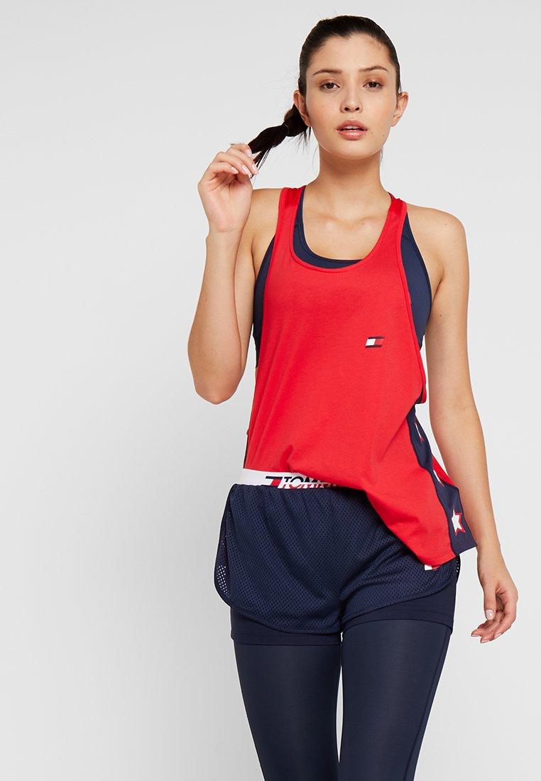Tommy Sport - TANK OVERSIZED - Camiseta de deporte - true red