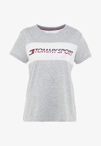 Tommy Sport - LOGO DRIVER TEE  - Camiseta estampada - grey - 4