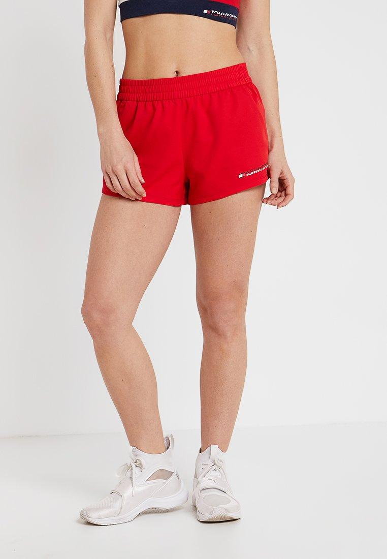 Tommy Sport - SHORT - Korte sportsbukser - true red