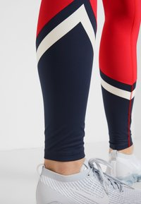 Tommy Sport - LEGGING WITH STARS  - Collants - red - 4