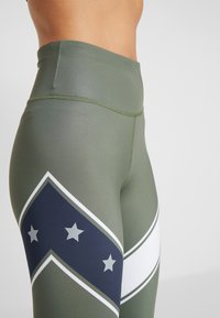Tommy Sport - LEGGING WITH STARS  - Collants - green - 5