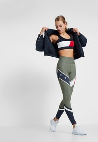 Tommy Sport - LEGGING WITH STARS  - Collants - green - 1