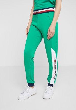 JOGGER - Teplákové kalhoty - golf green