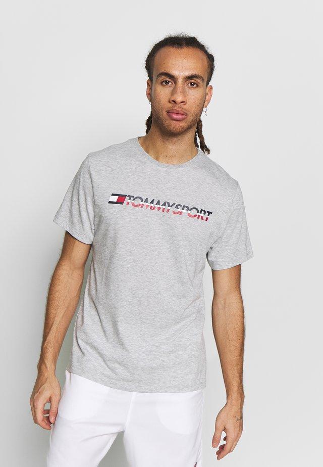 LOGO CHEST - T-shirt print - grey