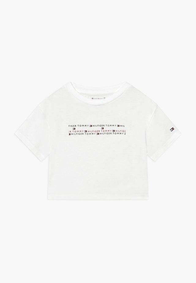 SPORT BOXY LOGO TEE - Camiseta estampada - white