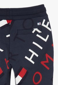 Tommy Hilfiger - SPORTS PRINTED LOGO  - Pantalon de survêtement - blue - 4