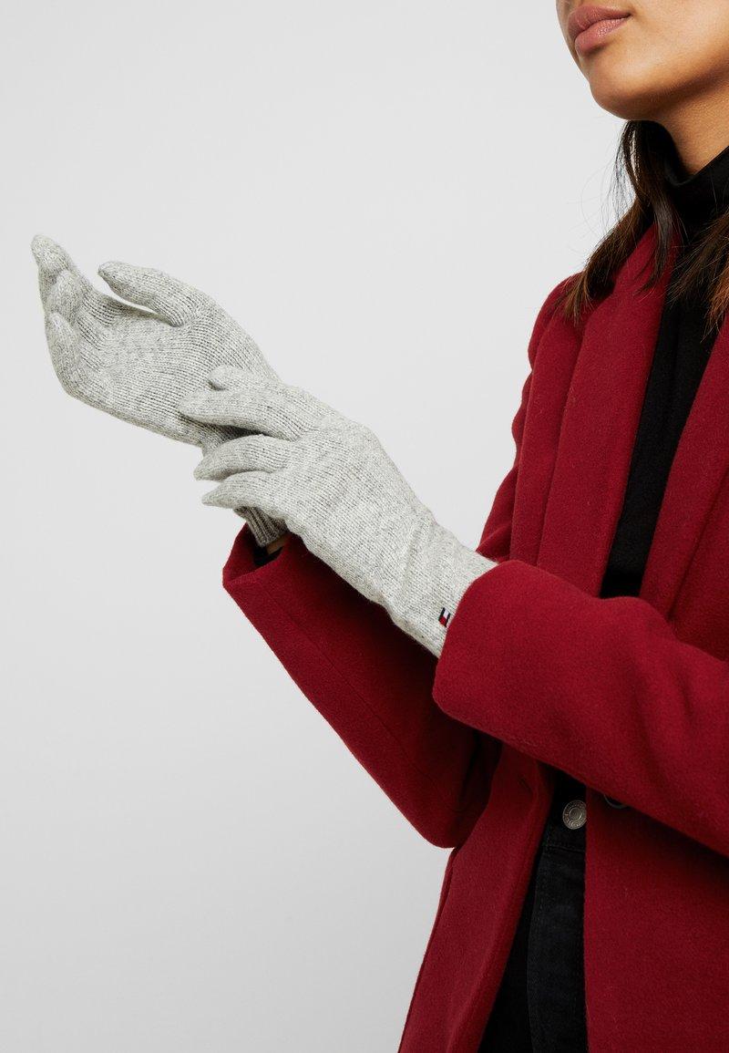 Tommy Hilfiger - FLAG KNIT GLOVES - Gloves - grey