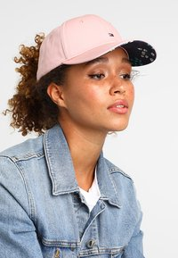 Tommy Hilfiger - CLASSIC - Keps - pink - 1
