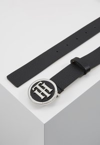Tommy Hilfiger - ROUND BUCKLE BELT - Cintura - black - 2