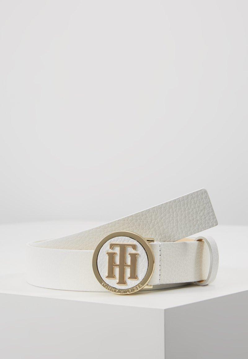 Tommy Hilfiger - ROUND BUCKLE BELT - Belte - white