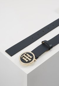 Tommy Hilfiger - ROUND BUCKLE BELT - Skärp - blue - 2