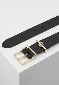 Tommy Hilfiger - DRESSY BELT - Belt - black - 2