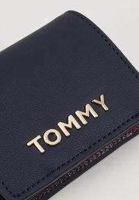 Tommy Hilfiger - ITEM STATEMENT - Lommebok - multi - 2
