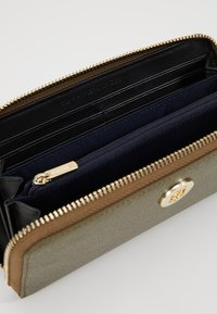 Tommy Hilfiger - CORE - Portefeuille - gold - 5