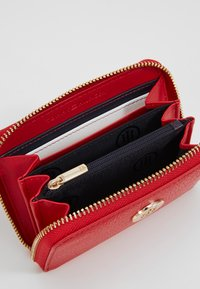 Tommy Hilfiger - TH CORE MED ZA - Wallet - red - 5