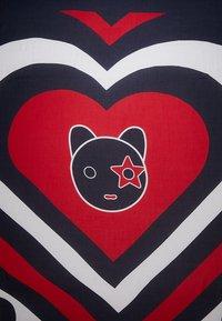 Tommy Hilfiger - MASCOT HEART SQUARE - Foulard - blue - 2