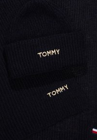 Tommy Hilfiger - EFFORTLESS SCARF & BEANIE SET - Scarf - blue - 3