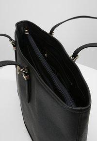Tommy Hilfiger - Bolso shopping - black - 4