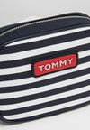 Tommy Hilfiger - VARSITY CROSSOVER STRIPE - Torba na ramię - blue