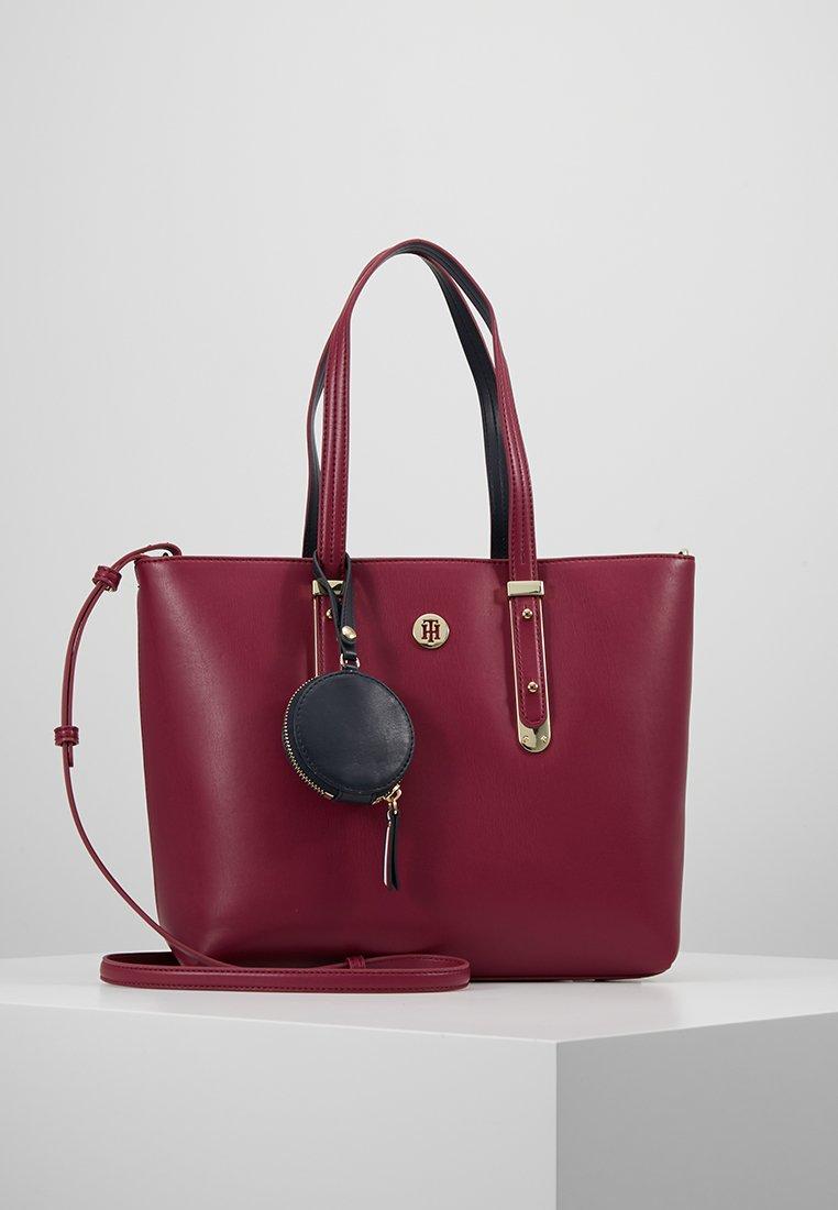 Tommy Hilfiger - MODERN HARDWARE - Shopping Bag - red