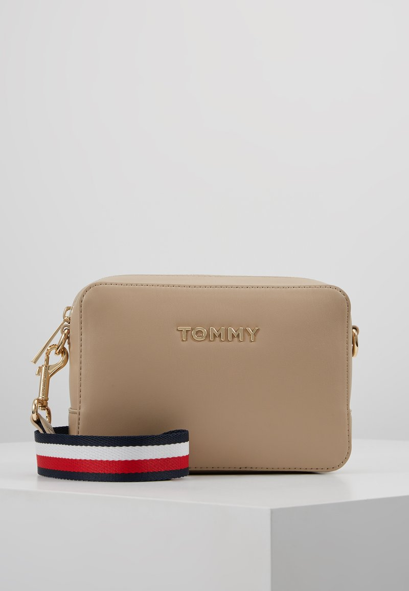 Tommy Hilfiger - ICONIC TOMMY CROSSOVER SOLID - Across body bag - grey