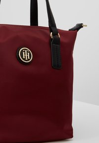 Tommy Hilfiger - POPPY SMALL TOTE SOLID - Borsa a mano - bordeaux - 6