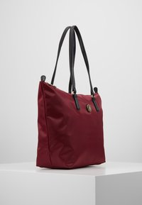 Tommy Hilfiger - POPPY TOTE SOLID - Handtas - red - 3