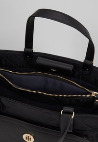 Tommy Hilfiger - ELEGANT TOTE QUILTED - Borsa a mano - black - 4