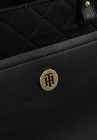 Tommy Hilfiger - ELEGANT TOTE QUILTED - Borsa a mano - black - 6