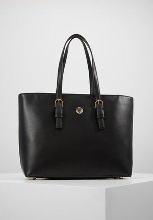 CLASSIC SAFFIANO TOTE - Handtasche - black