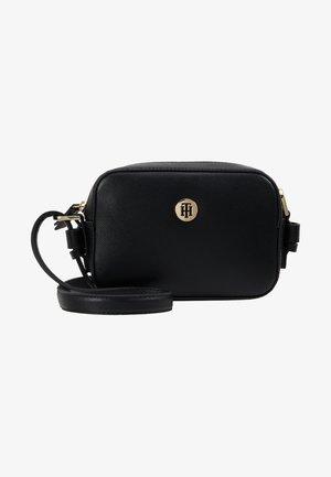 CLASSIC SAFFIANO - Sacoche d'appareil photo - black