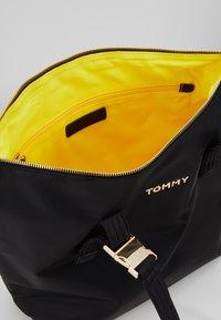 Tommy Hilfiger - Velká kabelka - black - 4