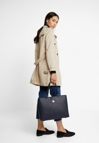 Tommy Hilfiger - CORE TOTE - Tote bag - blue - 1