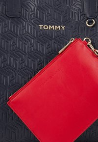 Tommy Hilfiger - ICONIC TOTE - Tote bag - blue - 9