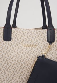 Tommy Hilfiger - ICONIC TOTE MONOGRAM - Shopping Bag - beige - 2