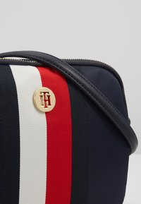 Tommy Hilfiger - POPPY CROSSOVER  - Schoudertas - blue - 6