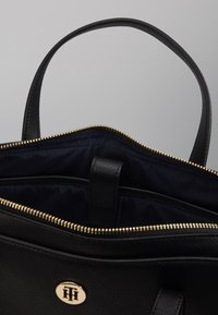 Tommy Hilfiger - CHARMING COMP BAG - Computertasker - black - 4